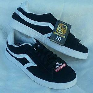 Airspeed Mens Athletic Shoes Sz 10 NWT Black